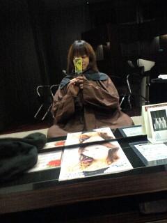 髪の毛を。あたえ
